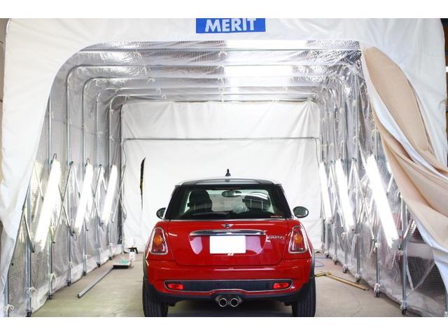 自社塗装ブース完備☆ホットジャックガレージのMINIのクオリティの高さを引き出す場所です☆