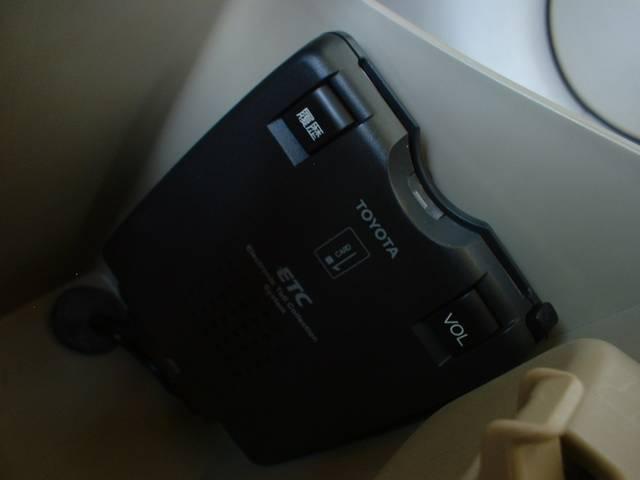 トヨタ ポルテ 150R  HDDナビ ETC付 左側パワースライドドア