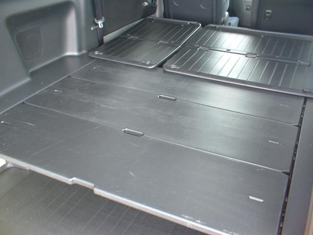 トヨタ ノア YY 両側パワースライド HDDナビ 地デジ HID 5人乗