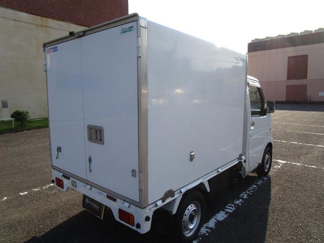 冷蔵冷凍車(3枚目)