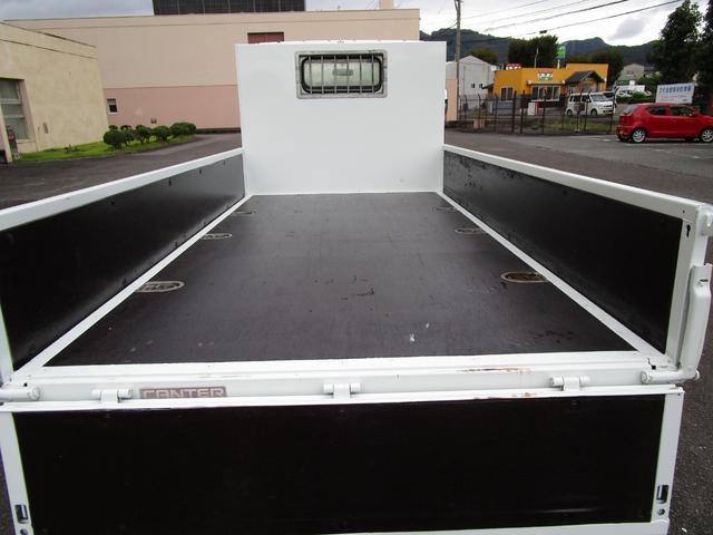 2トン全低床平ボディー ・内外装クリーニング仕上げ・アングル部鉄板張加工有・左側電動格納ミラー・荷台ロープフック有・イージーゴー/坂道発進装置(10枚目)