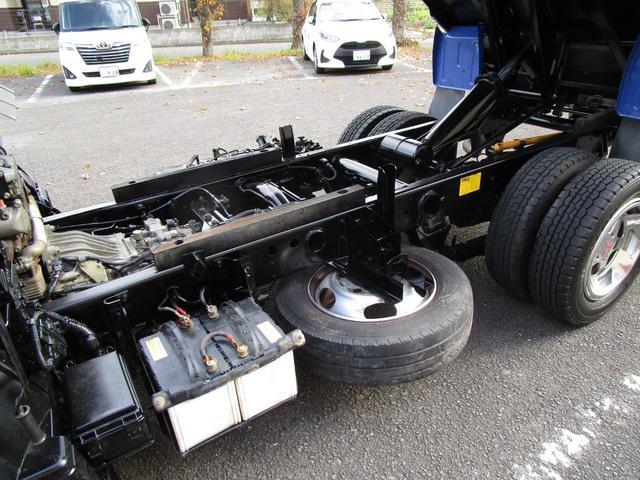 全低床ダンプ3トン4ナンバー ・内外装クリーニング仕上げ・3トン積4ナンバー・運転席エアバック・ABS・ブリッジフック・リアゲートチェーン・メッキパーツ・左側電動格納ミラー・イージーゴー・4900ccディーゼルターボ(27枚目)