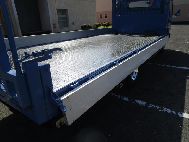 2トン積載車 ・内外装クリーニング仕上げ・ハイジャッキ・荷台後方伸縮・LED作業灯・アルミあおり(12枚目)