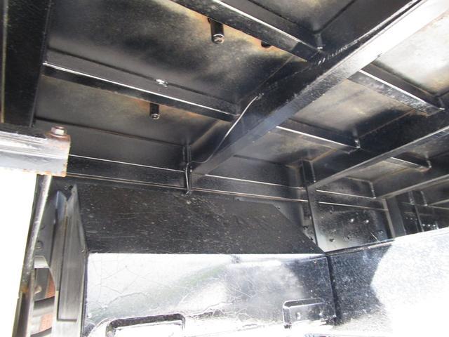 2トン積載車 ・内外装クリーニング仕上げ・ハイジャッキ・荷台後方伸縮・LED作業灯・アルミあおり(23枚目)