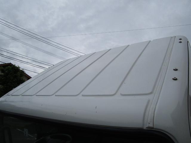 2トン全低床平ボディー垂直パワーゲート付 ・内外装クリーニング仕上げ・ワンオーナー車・記録簿・運転席エアバック・ABS・左側電動格納ミラー(7枚目)