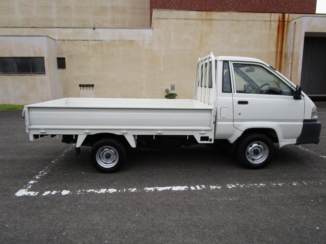 1トン平ボディースーパーシングルジャストロー ・内外装クリーニング仕上げ・ワンオーナー車・運転席エアバック(4枚目)