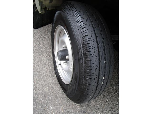 1トン平ボディースーパーシングルジャストロー ・内外装クリーニング仕上げ・ワンオーナー車・運転席エアバック(23枚目)