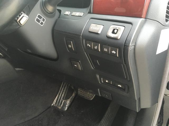 レクサス LS LS600hL バージョンUZ TOM'Sエアロ マフラー