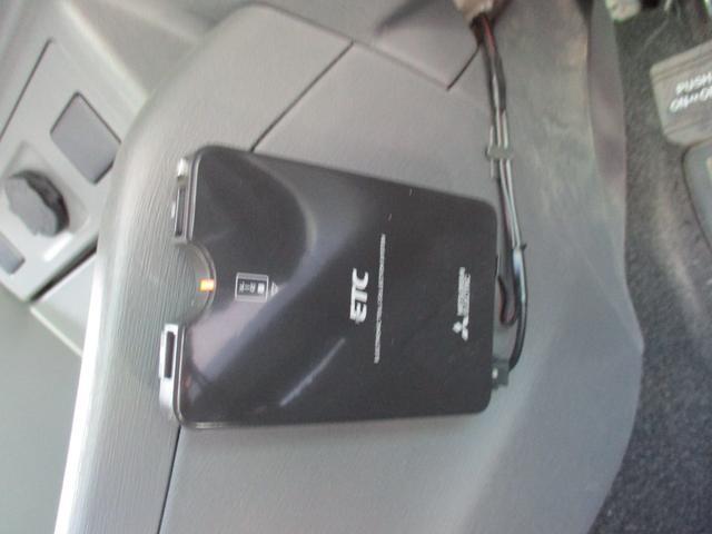 S ワンオーナー/禁煙車/社外ナビ/フルセグTV/バックカメラ/ETC/CD再生/Bluetooth接続/純正AW16インチ(11枚目)