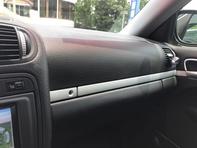「ポルシェ」「ポルシェ カイエン」「SUV・クロカン」「福岡県」の中古車15