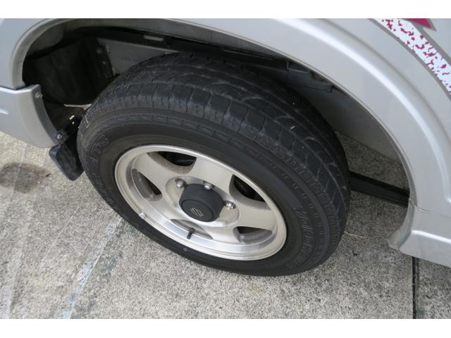 XLリミテッド 4WD マニュアル5速 背面タイヤ(13枚目)