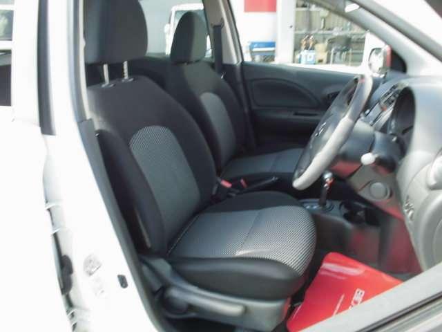 運転席からの視界もよく、どなたがお乗りになられても運転しやすい車両になっていますよ。
