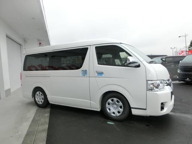 トヨタ ハイエースバン REVO1ナンバー8人乗コンプリート 6速AT