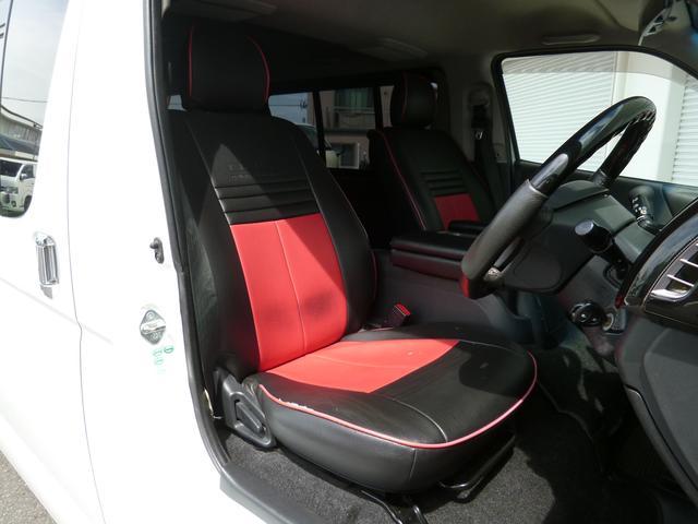 全席にNACSスポーツラインシートカバーブラック/レッドを装着済み!運転席、助手席にはアームレストを装着!リアにはエンジンルームカバーを装着しています!