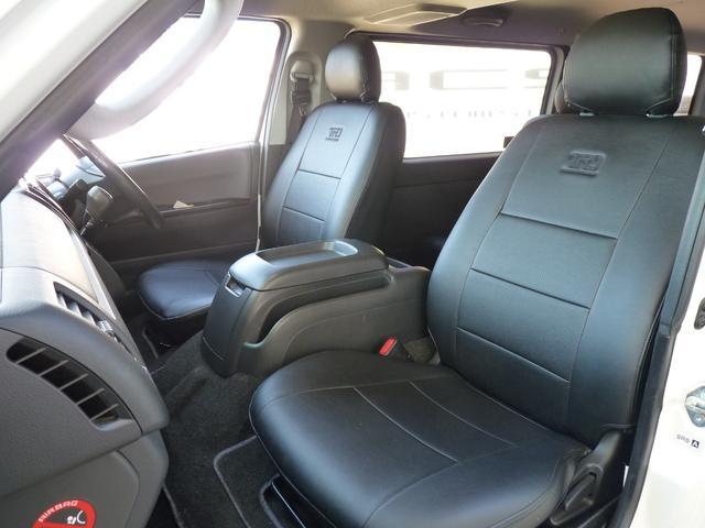 NACSオリジナルのシートカバーも販売しております。センター部分グレーにサイドはブラックのレザー調!パイピングもグレーとスポーティーな仕上がりとなっております。NACSのロゴ入りで39800円です。