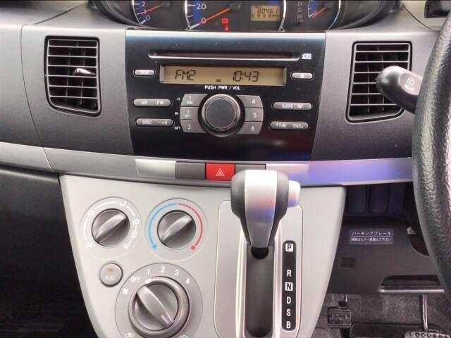 ダイハツ純正一体型CDコンポ搭載です!