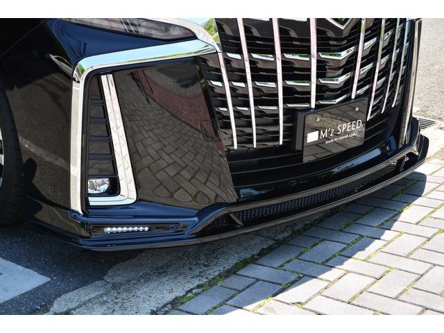 【車両展示も屋内展示だから安心】当社では販売する車両全車を屋内展示(全車ドアロックし自由に車内は見れません)をしており、内外装ともに新車のお車ですので、ご安心ください。