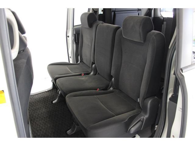 トヨタ ヴォクシー 福祉車両 スロープタイプ 8人乗