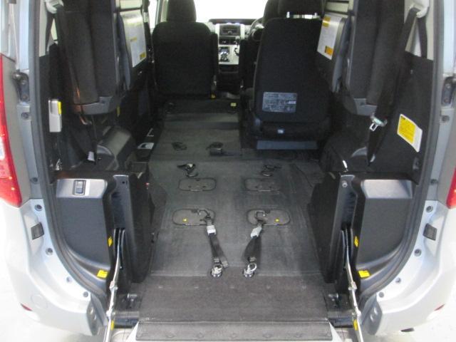 4WD スロープタイプ2基積 7人乗り 全国無料1年保証(9枚目)
