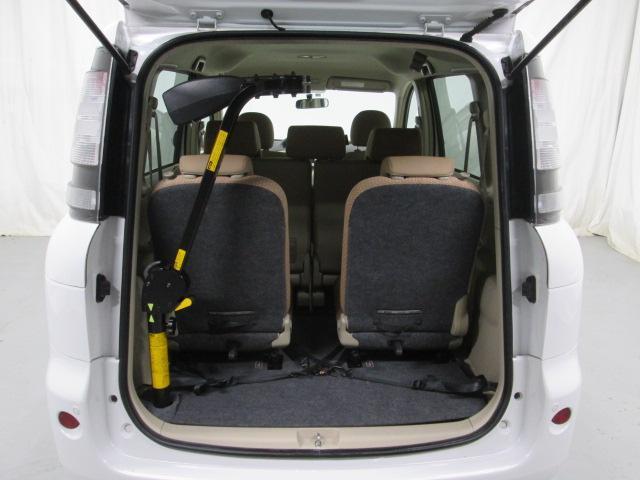 助手席リフトアップシート車椅子収納装置付7人乗り無料一年保証(8枚目)