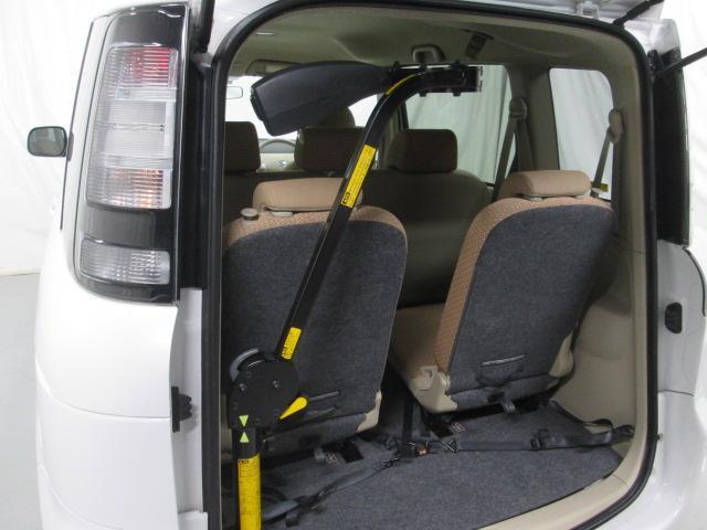 助手席リフトアップシート車椅子収納装置付7人乗り無料一年保証(9枚目)