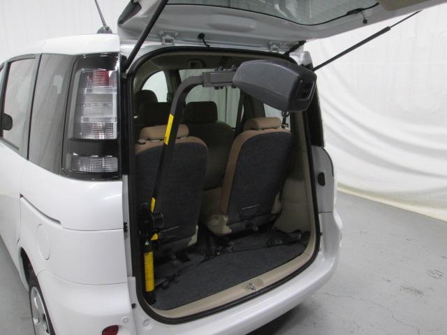 助手席リフトアップシート車椅子収納装置付7人乗り無料一年保証(10枚目)