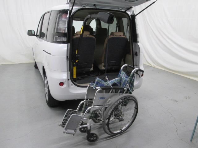 助手席リフトアップシート車椅子収納装置付7人乗り無料一年保証(13枚目)