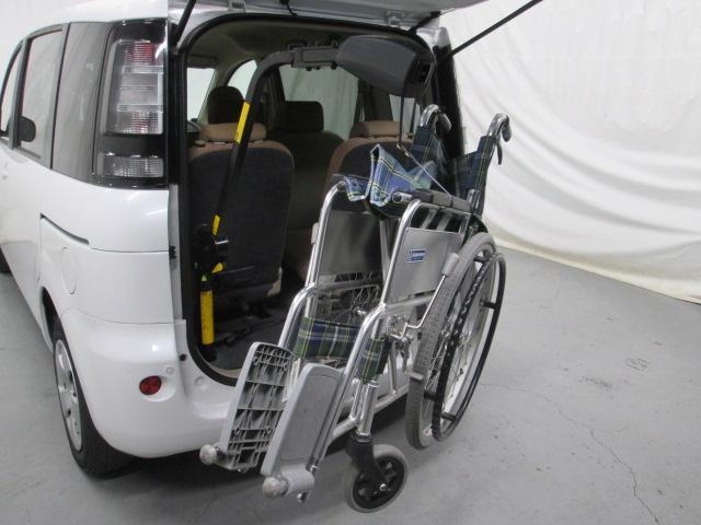 助手席リフトアップシート車椅子収納装置付7人乗り無料一年保証(14枚目)