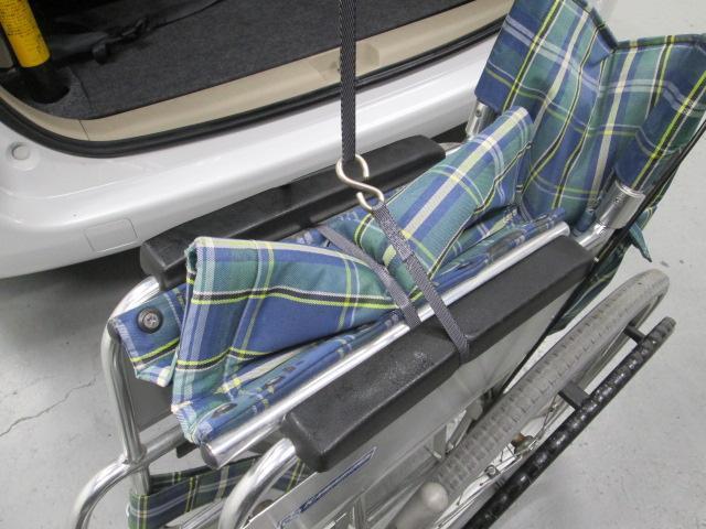 助手席リフトアップシート車椅子収納装置付7人乗り無料一年保証(15枚目)