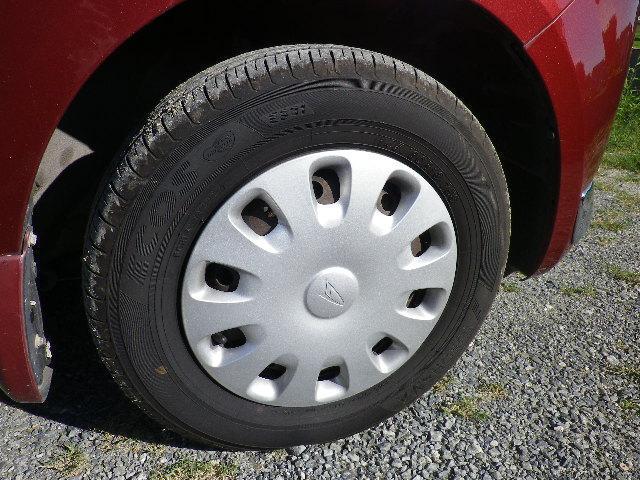 タイヤの状態もご覧のように十分な溝が残っています!