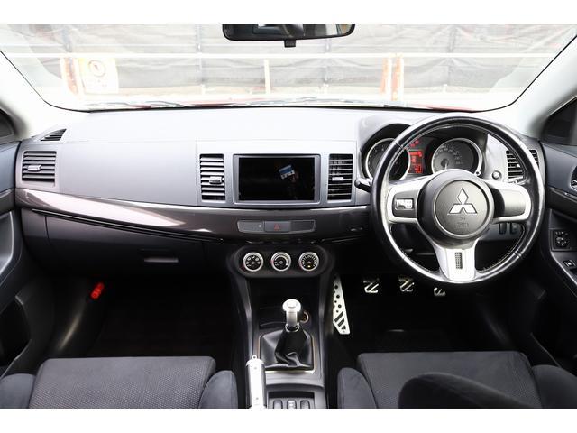 GSRエボリューションX HKS車高調 HKSマフラー エンケイ18AW サンルーフ レカロシート リアスポイラー ブレンボキャリパー スマートキー HIDヘッドライト ETC 4WD 5速ミッション(9枚目)