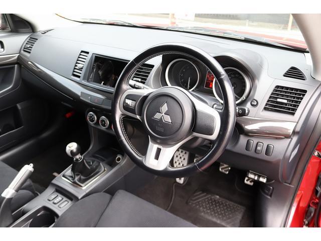 GSRエボリューションX HKS車高調 HKSマフラー エンケイ18AW サンルーフ レカロシート リアスポイラー ブレンボキャリパー スマートキー HIDヘッドライト ETC 4WD 5速ミッション(10枚目)