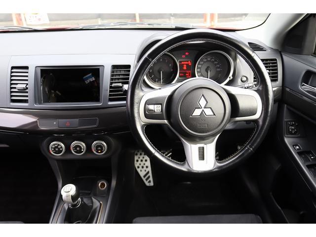 GSRエボリューションX HKS車高調 HKSマフラー エンケイ18AW サンルーフ レカロシート リアスポイラー ブレンボキャリパー スマートキー HIDヘッドライト ETC 4WD 5速ミッション(50枚目)
