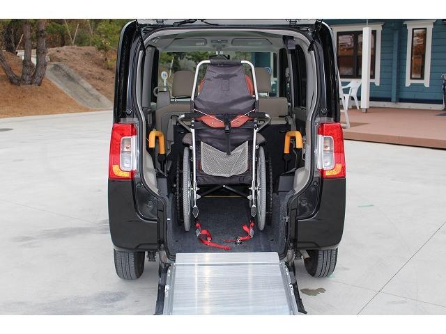 福祉車両 スロープ 車椅子1台 電動ウィンチ 車いす固定装置(5枚目)