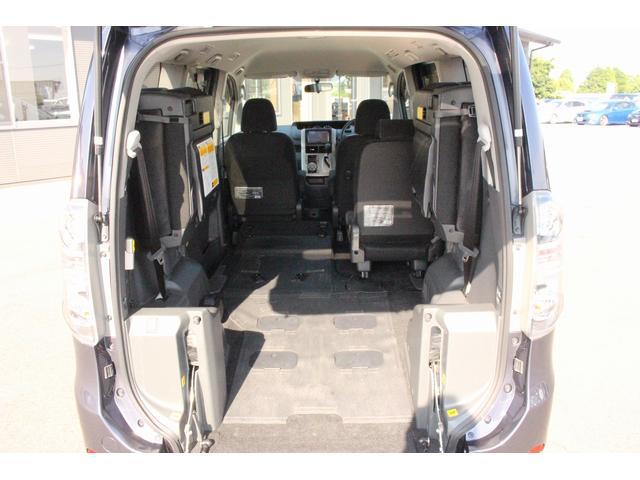 トヨタ ヴォクシー 福祉車両 ウェルキャブ スロープ 車椅子1基 電動ウインチ