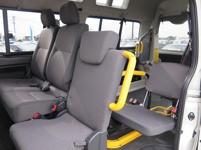 トヨタ レジアスエースバン 福祉車両 ウェルキャブ Bタイプ リアリフト 車椅子2基