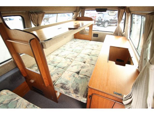 トヨタ ハイエースバン ビークル クッチェッタ 二段ベッド 4WD サブバッテリー