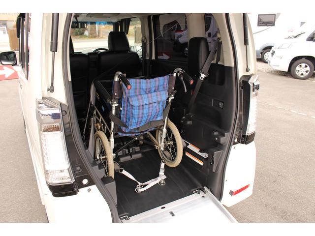福祉車両 スロープ 車椅子1基 電動ウインチ ナビ HID(5枚目)