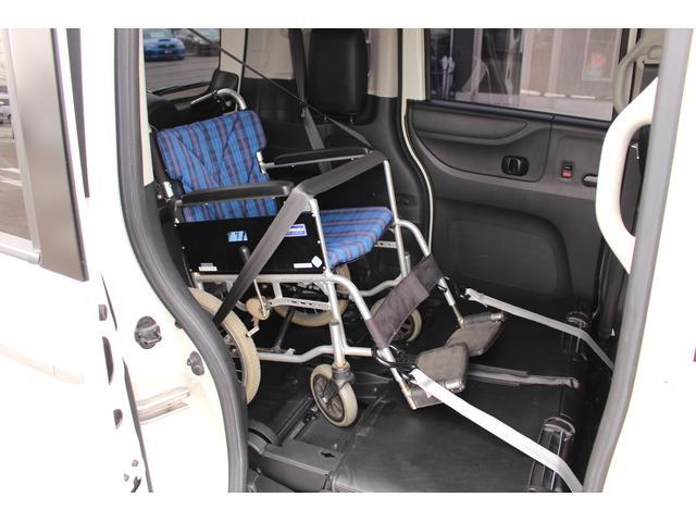 福祉車両 スロープ 車椅子1基 電動ウインチ ナビ HID(7枚目)