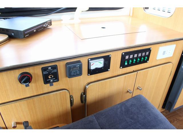 トヨタ ハイエースバン オリジナル キャンピング FFヒーター ソーラー テレビ