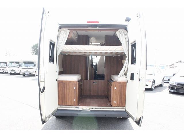 デュカト ローラーチーム リビングストーン5 新車 軽油式FFヒーター 温水ボイラー 冷蔵庫 シンク コンロ 運転席助手席回転シート トイレ 2段ベッド ディーゼルターボ オプションカラーゴールド(30枚目)