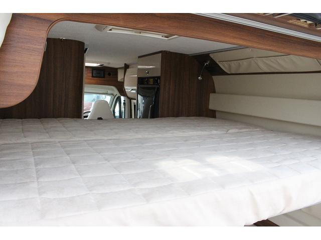 デュカト ローラーチーム リビングストーン5 新車 軽油式FFヒーター 温水ボイラー 冷蔵庫 シンク コンロ 運転席助手席回転シート トイレ 2段ベッド ディーゼルターボ オプションカラーゴールド(32枚目)