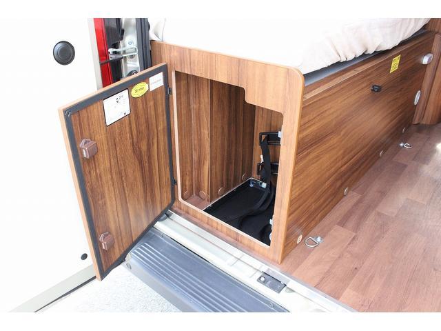 デュカト ローラーチーム リビングストーン5 新車 軽油式FFヒーター 温水ボイラー 冷蔵庫 シンク コンロ 運転席助手席回転シート トイレ 2段ベッド ディーゼルターボ オプションカラーゴールド(37枚目)