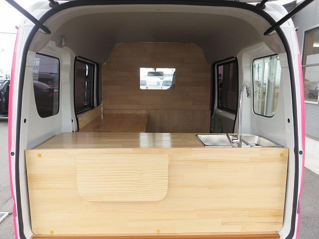 移動販売車 キッチンカー フレンチバス仕様 オールペイント ケータリングカー 8ナンバー エアロパーツ 販売用テーブル 2槽シンク 給排水タンク 3連収納ボックス 100Vコンセント 運転席背板 キーレス(7枚目)