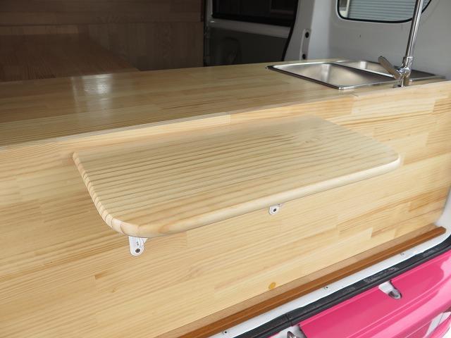 移動販売車 キッチンカー フレンチバス仕様 オールペイント ケータリングカー 8ナンバー エアロパーツ 販売用テーブル 2槽シンク 給排水タンク 3連収納ボックス 100Vコンセント 運転席背板 キーレス(9枚目)