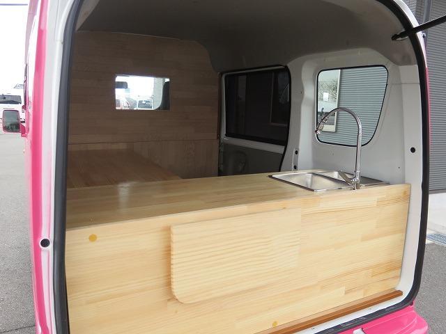 移動販売車 キッチンカー フレンチバス仕様 オールペイント ケータリングカー 8ナンバー エアロパーツ 販売用テーブル 2槽シンク 給排水タンク 3連収納ボックス 100Vコンセント 運転席背板 キーレス(31枚目)