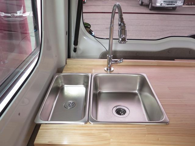 移動販売車 キッチンカー フレンチバス仕様 オールペイント ケータリングカー 8ナンバー エアロパーツ 販売用テーブル 2槽シンク 給排水タンク 3連収納ボックス 100Vコンセント 運転席背板 キーレス(33枚目)