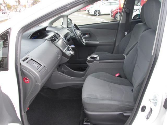 トヨタ プリウスアルファ Sツーリングセレクション 8型HDDナビ 後席モニター
