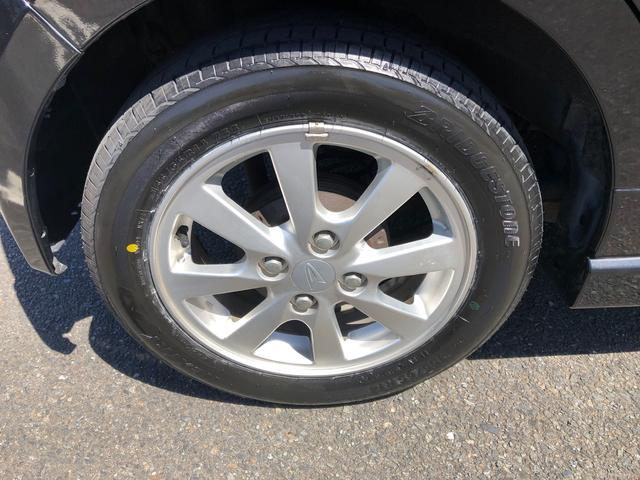 純正アルミホイール。タイヤ4本は国産新品へ交換致しました。