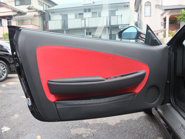 ★運転席&助手席共にドア内貼りも使用感少なく綺麗な状態です★